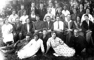 Ровеньская школа. Первый выпуск школы