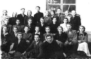 Ровеньская школа. Педагогический коллектив школы 1935 г.